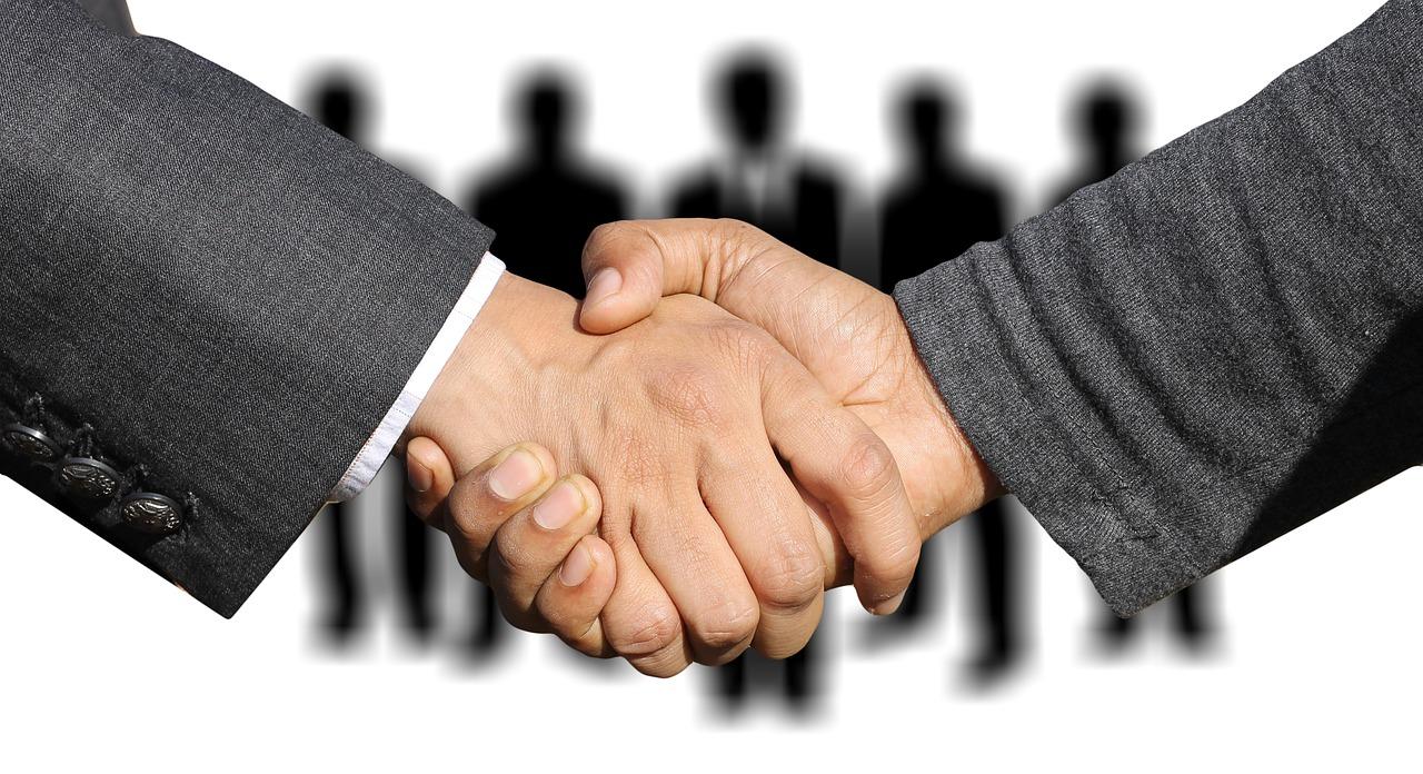 ¿Cuáles son las ventajas de la contratación externa de la contratación por parte de las empresas?